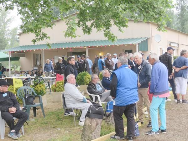 """Une vue du club-house du Golf des Aiguillons, pendant notre 2ème """"Pétank-Golf"""" 2018"""