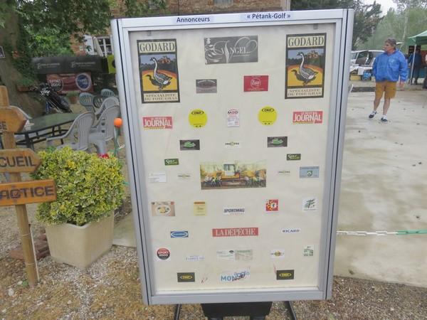 """Le panneau pub de nos sponsors-annonceurs du 2ème """"Pétank-Golf"""""""