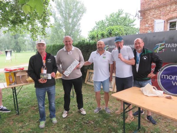 """Les co-vainqueurs du tir à la sautée """"Pétank-golf"""" 2018"""
