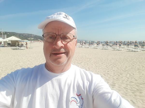 Selfie CL sur plage de la mer noire