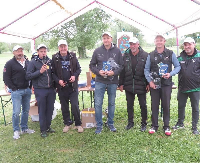 Vainqueurs remise prix pétank-golf 2019